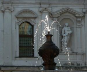 La fontana di piazza San Giacomo