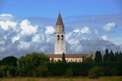 Aquileia - Nave di pietra in mare di nuvole