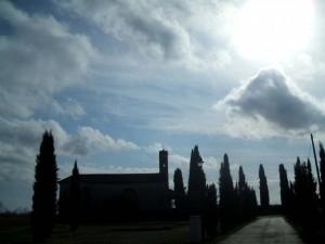 La Strada è tracciata…   (Chiesa della Madonna del Carmine)