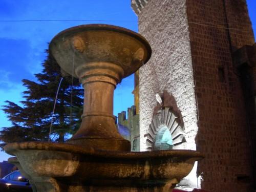 Vitorchiano - La bella fontana all'ingresso del paese