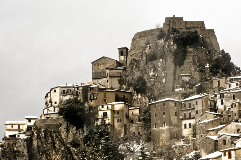 ''La chiesa a castello.'' - Cervara di Roma