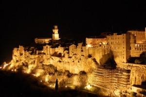 Magia Notturna nel Borgo Medievale di Pitigliano