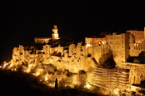 Pitigliano - Magia Notturna nel Borgo Medievale di Pitigliano
