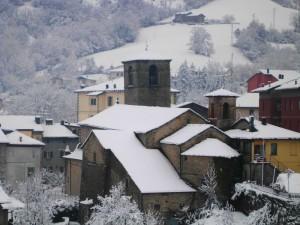 la chiesetta dopo la nevicata