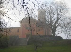La chiesetta di Lagune nella nebbia