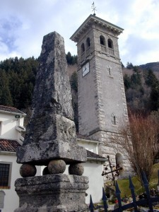 Campanile della chiesa di Imponzo ,