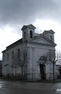 Chiesa di Sperone prima di una grandinata