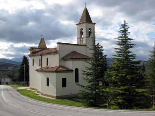 Arcevia - Chiesa principale di San Pietro, frazione di Arcevia