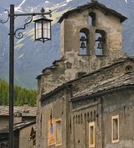 Sant'Antonio, il lampione e la meridiana