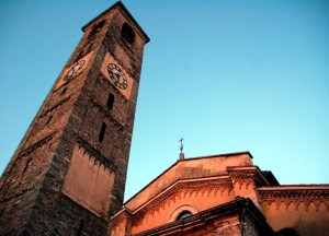 luce paricolare sul campanile