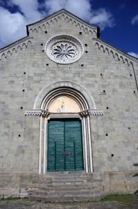 Facciata della chiesa di S. Pietro a Corniglia