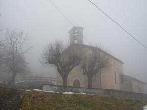 Chiesa di San Sebastiano con la nebbia