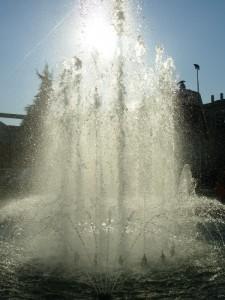 visione del getto della fontana a Quarto Oggiaro