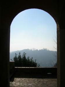 nella valle la nebbia