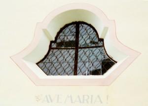 stessa chiesetta a Salmonbad, vista della finestra