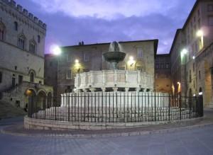 Fontana Maggiore by Night