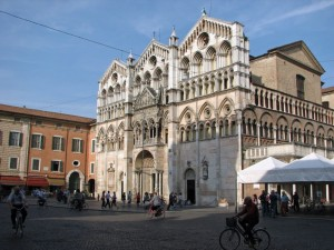 Duomo di Ferrara, vista classica