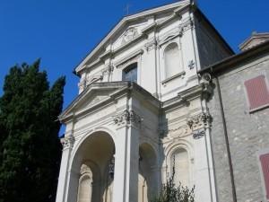 Santuario del Monticino: la facciata