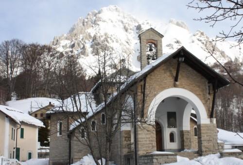 Abbadia Lariana - La chiesetta che a pregar ci chiama.....