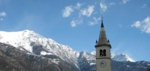 Panoramica con campanile