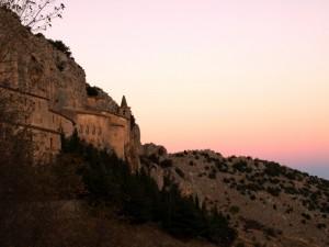 Ultime luci del crepuscolo sul Santuario della Madonna delle Armi - Cerchiara di Calabria (Cs)