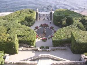 fontana  nel giardino all'Italiana