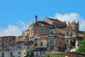 Absidi della cattedrale e borgo antico a Monreale