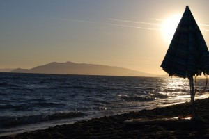 il monte Argentario dalla spiaggia di Capalbio