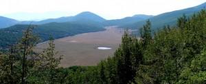 Panorama dei prati del Sirente con il lago meteoritico - Secinaro (AQ)