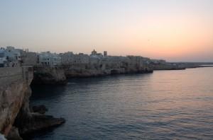 Incantevole tramonto su Polignano a mare