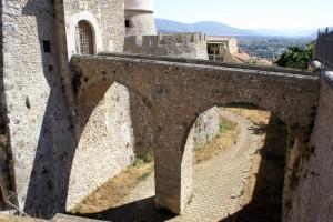 Castello Pandone : accessi difficili