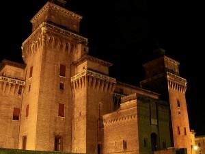 Il Castello Estense di Notte