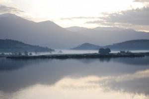alba al lago di canterno