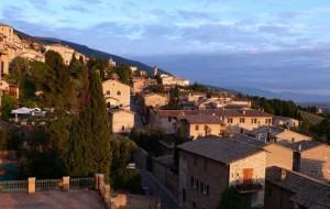 Luce del Tramonto su Assisi