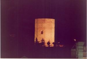 La Torre di Federico II° notturno