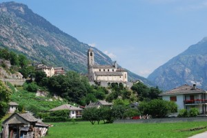 Una chiesa fra le alpi