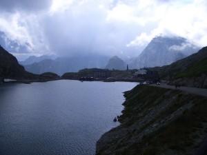 il lago al valico del Gran San Bernardo