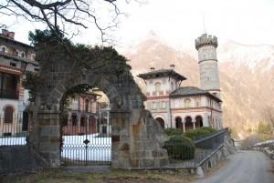 castello di Rosazza con  torre guelfa