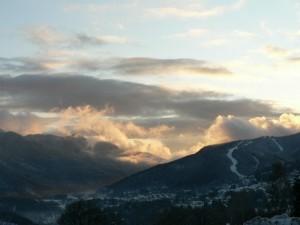 panorama invernale con le piste