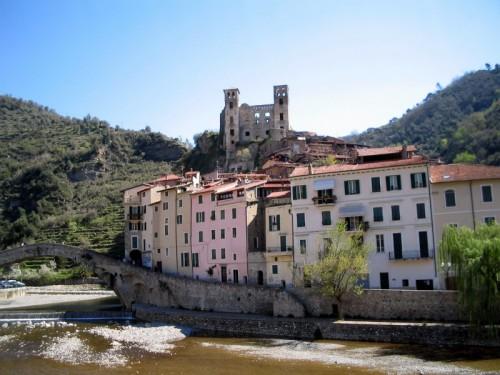 Dolceacqua - Il paese e il suo castello