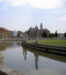 Padova - Veduta su Prato della Valle