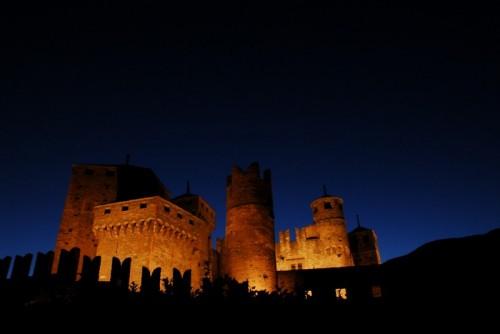 Fénis - Il Castello di Fenis, luci di pietra