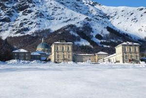 il Santuario di Oropa immerso nella neve