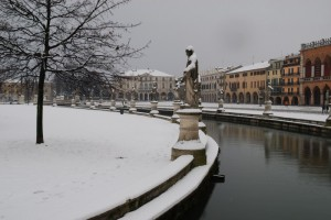 Prato della Valle sotto la neve
