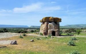 Territorio di Mores col dolmen di Sa Coveccada