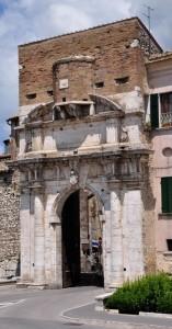 Porta Romana a Fortificazione di Amelia (TR)