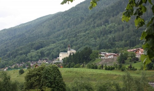 Bocenago - panorama con chiesa