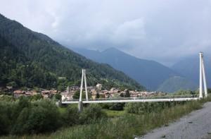 paese con il suo ponte
