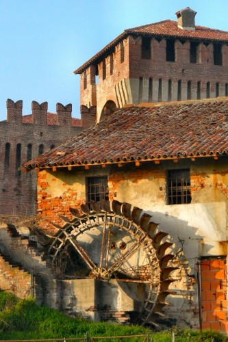 Soncino - il mulino del castello