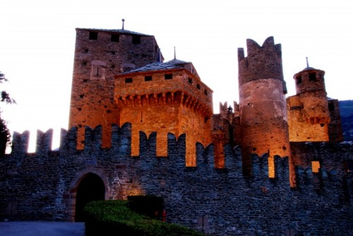 Fénis - Il Castello di Fenis, variazioni